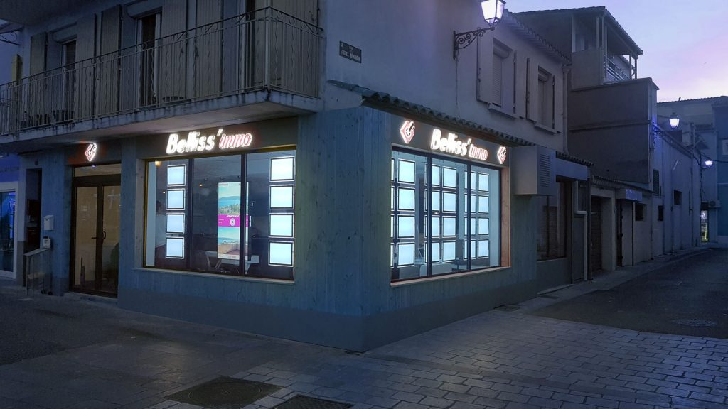 Affichage dynamique Pixel Impact écran vitrine digitale Agence immobilière BELLISS'IMMO